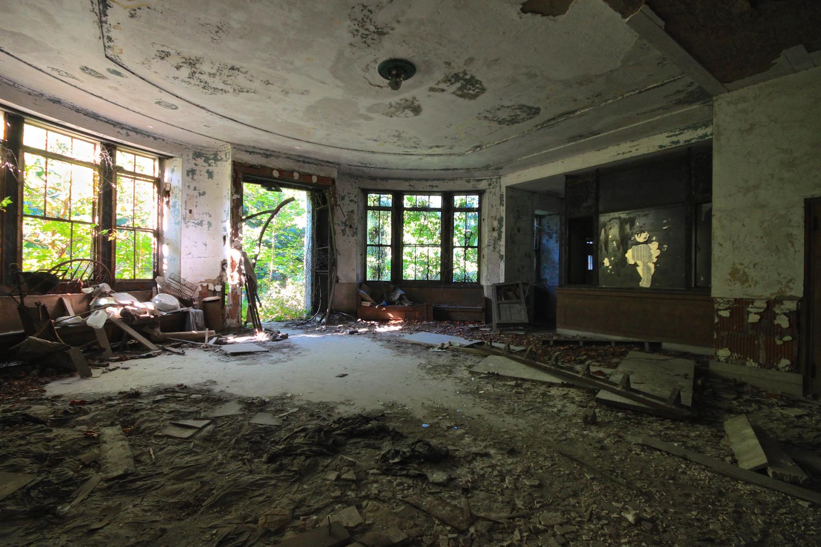 north-brother-island-credit-EsseXploreR-01-Riverside Island Isolation Hospital