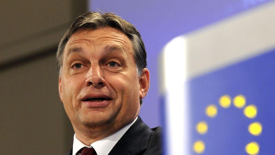 """Ungarischer Premier Orbán: """"Nicht mit zitternden Knien auf das westliche Echo reagieren"""""""