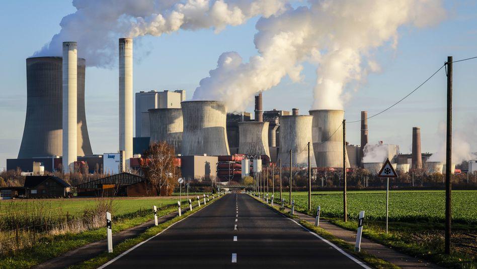 """Braunkohlekraftwerk Niederaußem bei Köln (Archivbild): """"Einzigartige Geschwindigkeit bei der Ablösung von Kohlestrom"""""""