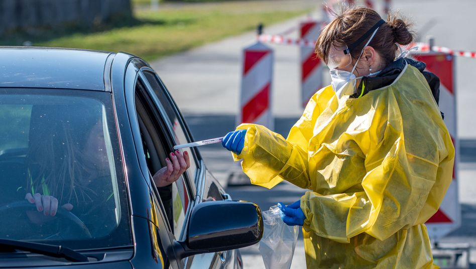 Drive-in-Teststation in Lüdenscheid im März