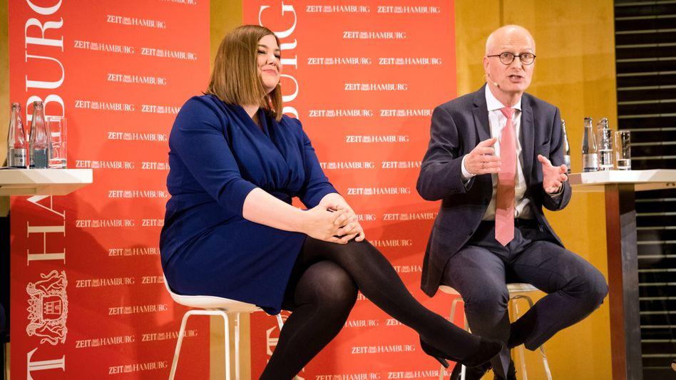 Wer setzt sich durch? Hamburgs Erster Bürgermeister Peter Tschentscher im Gespräch mit Herausforderin Katharina Fegebank