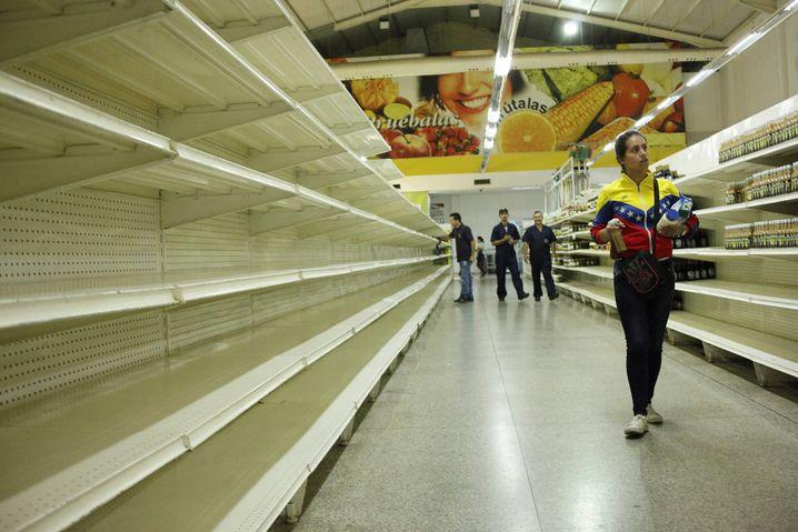 Supermarktregale in San Cristóbal: Kein Geld für Medikamente und Lebensmittel