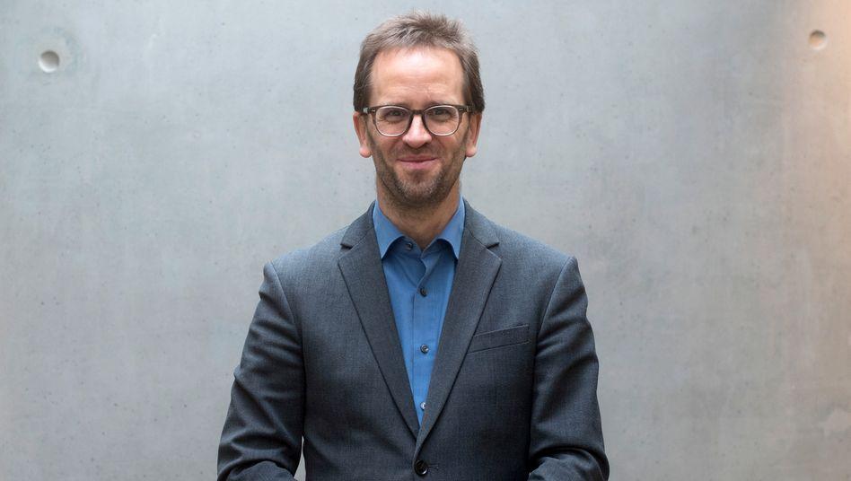 Deutschlands oberster Verbraucherschützer Klaus Müller: »Corona hat das Problem noch verschärft«