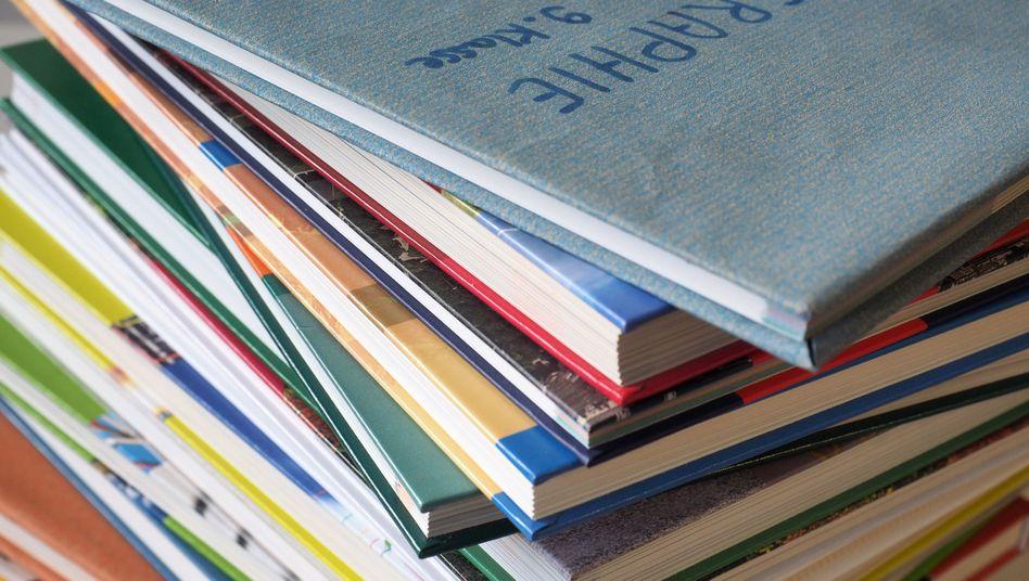 Schulbücher für Geografie (Symbolbild)