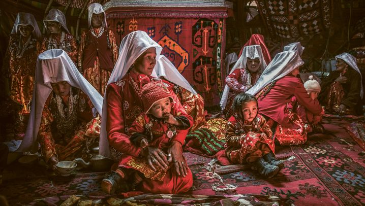 Unterwegs im Pamir-Gebirge: Yaks, Hochzeiten und Siebentausender