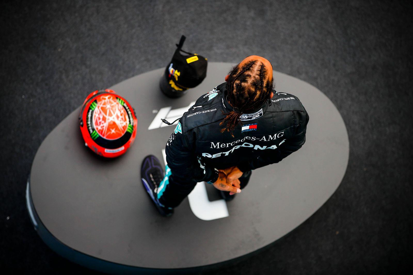 2020 Eifel GP NüRBURGRING, GERMANY - OCTOBER 11: Lewis Hamilton, Mercedes-AMG Petronas F1, 1st position, on the podium