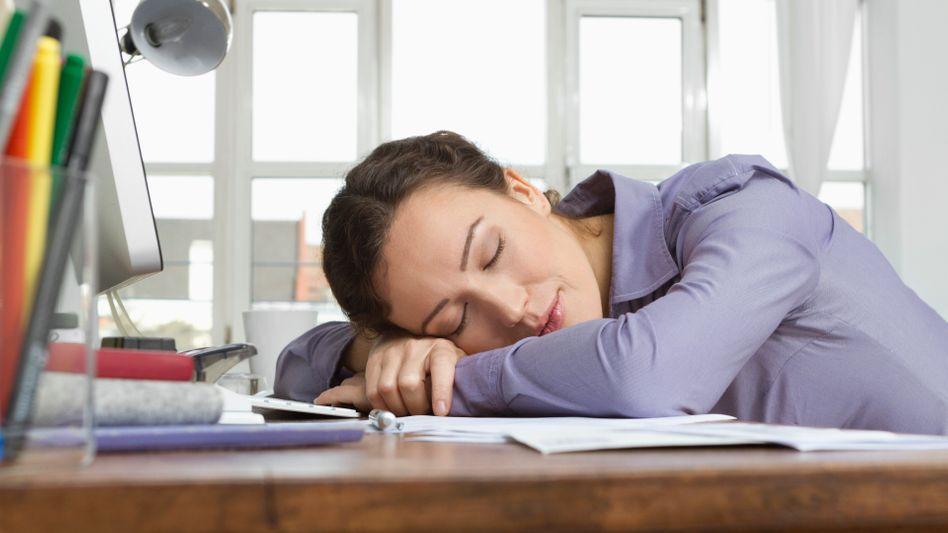Müdigkeit: Eisenmangel wirkt sich negativ auf die Leistungsfähigkeit aus