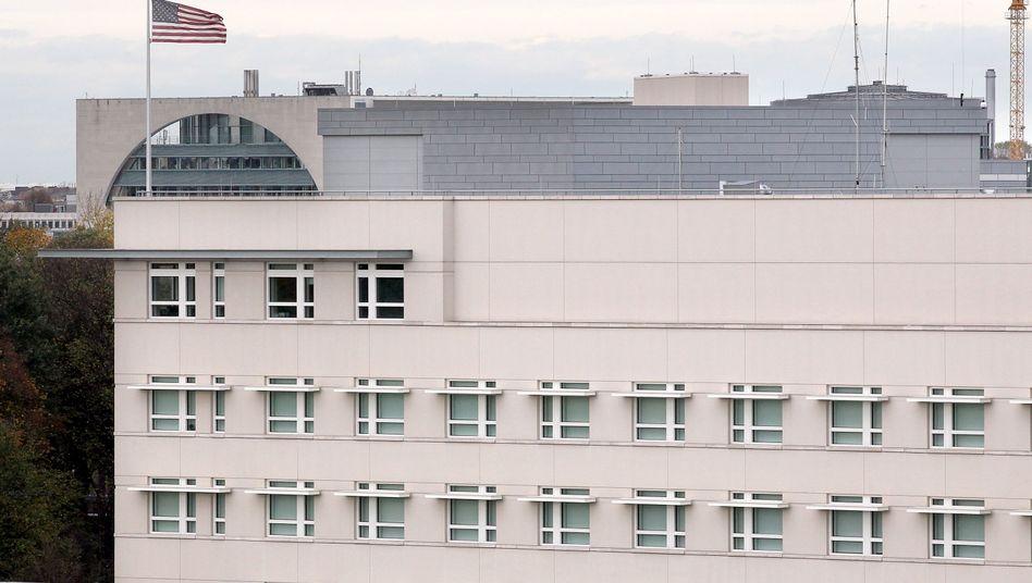 Vorne die US-Botschaft, hinten das Kanzleramt: Fall für den US-Senat