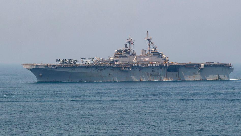 """US-Kriegsschiff """"Boxer"""" in der Straße von Hormus"""