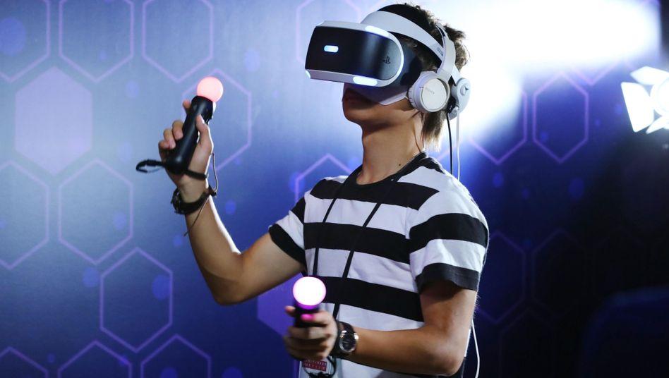 Spiel mit Sony PlayStation VR auf der Tokyo Game Show