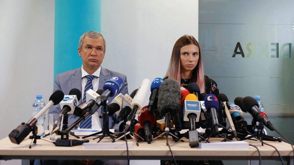 Exilpolitiker Latuschko, Leichtathletin Timanowskaja in Warschau: Sport ist Politik, das hat Lukaschenko dem Olympia-Team mit auf den Weg gegeben