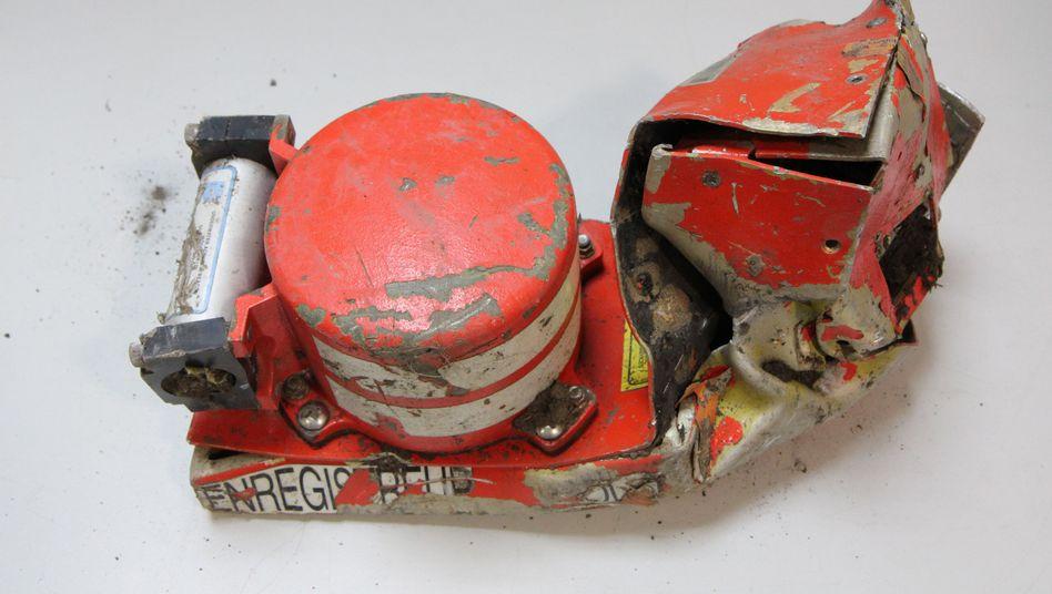 Flugzeugunglück in Südfrankreich: Viele offene Fragen - und eine Theorie