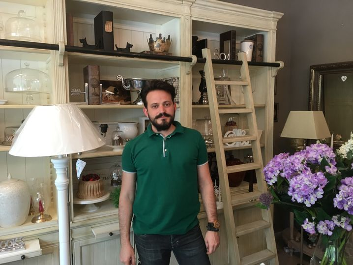 """Alexandros Varsakopoulos, 32 Jahre, Ladenbesitzer: """"Man will uns vernichten"""""""