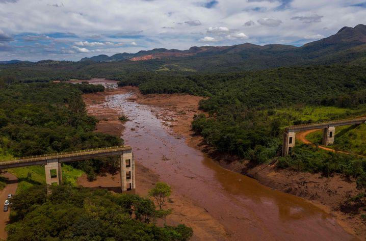 Eingerissene Brücke in Brumadinho