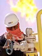 Ölförderung in Kuweit: Spezialisten für Kraftwerke, Wasseraufbereitung und Löscharbeiten