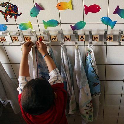 Kindergarten in Westdeutschland: Für viele Eltern noch unerreichbar