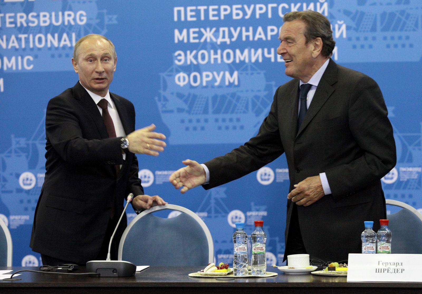 St Petersburg/ Vladimir Putin/ Gerhard Schroeder