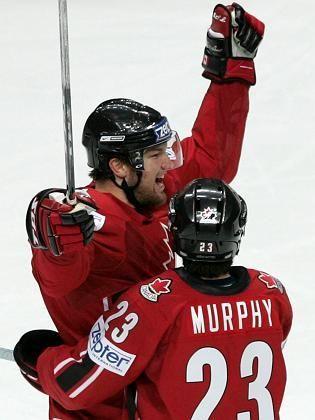 Kanadas Nash (li.) mit Teamkollege Murhpy: Titel und Rekord eingefahren