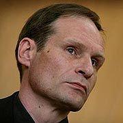 """Armin Meiwes: Klage gegen """"Interview mit einem Kannibalen"""""""