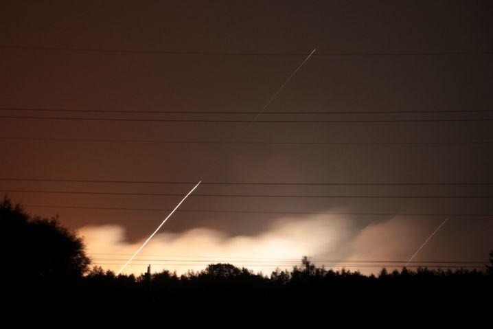 Rauch und über dem Munitionslager