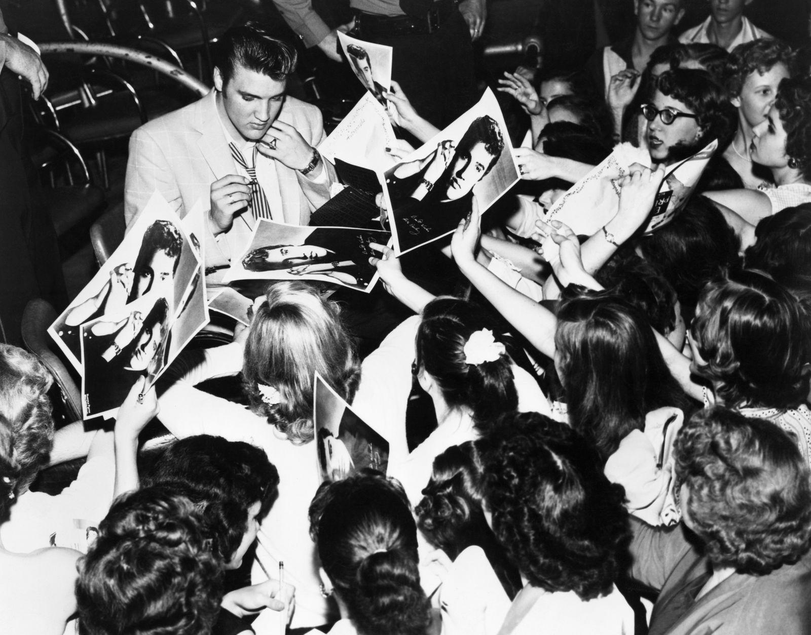 Elvis Presley Signing Autographs