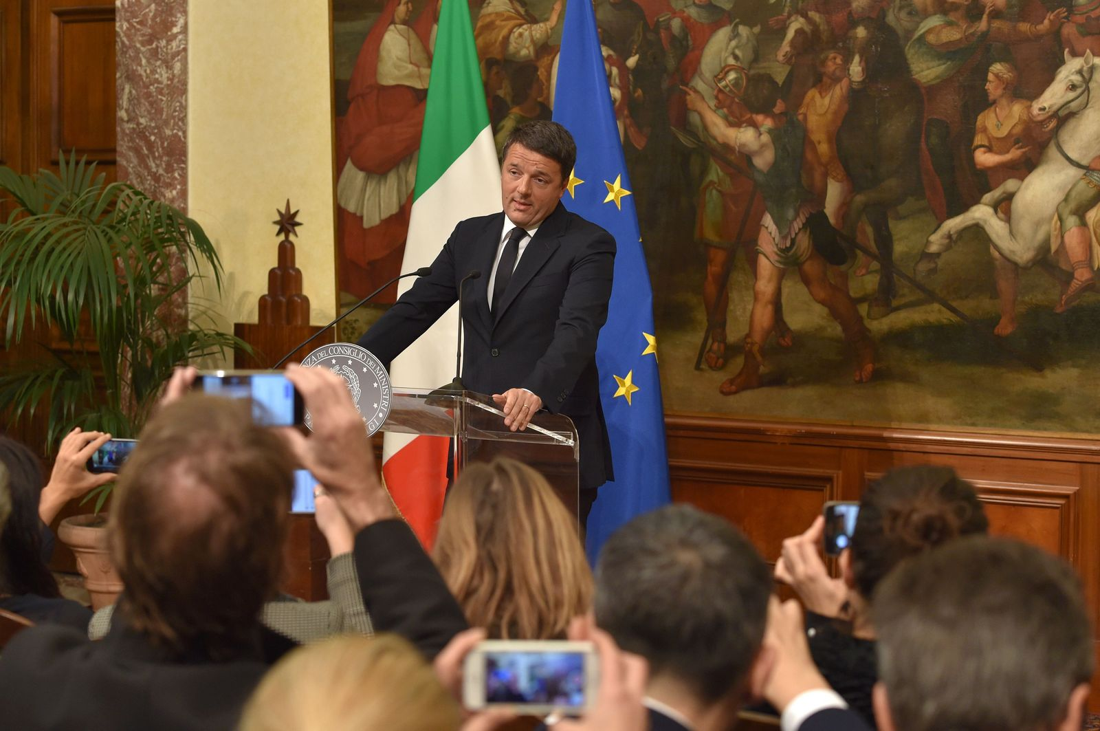 ITALY-Matteo Renzi -REFERENDUM-CONSTITUTION