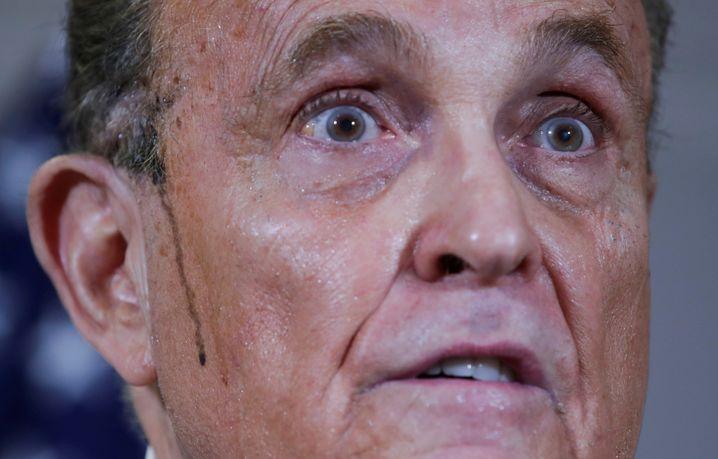 Trump-Anwalt Giuliani bei einer Pressekonferenz in Washington am 19. November