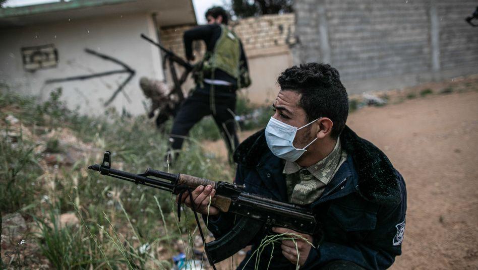 Töten nur mit Schutz: Milizionär der Hauptstadtregierung vor Tripolis
