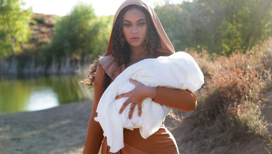"""Beyoncé in """"Black Is King"""": Von der christlichen Madonna zur afrikanischen Yoruba-Göttin"""