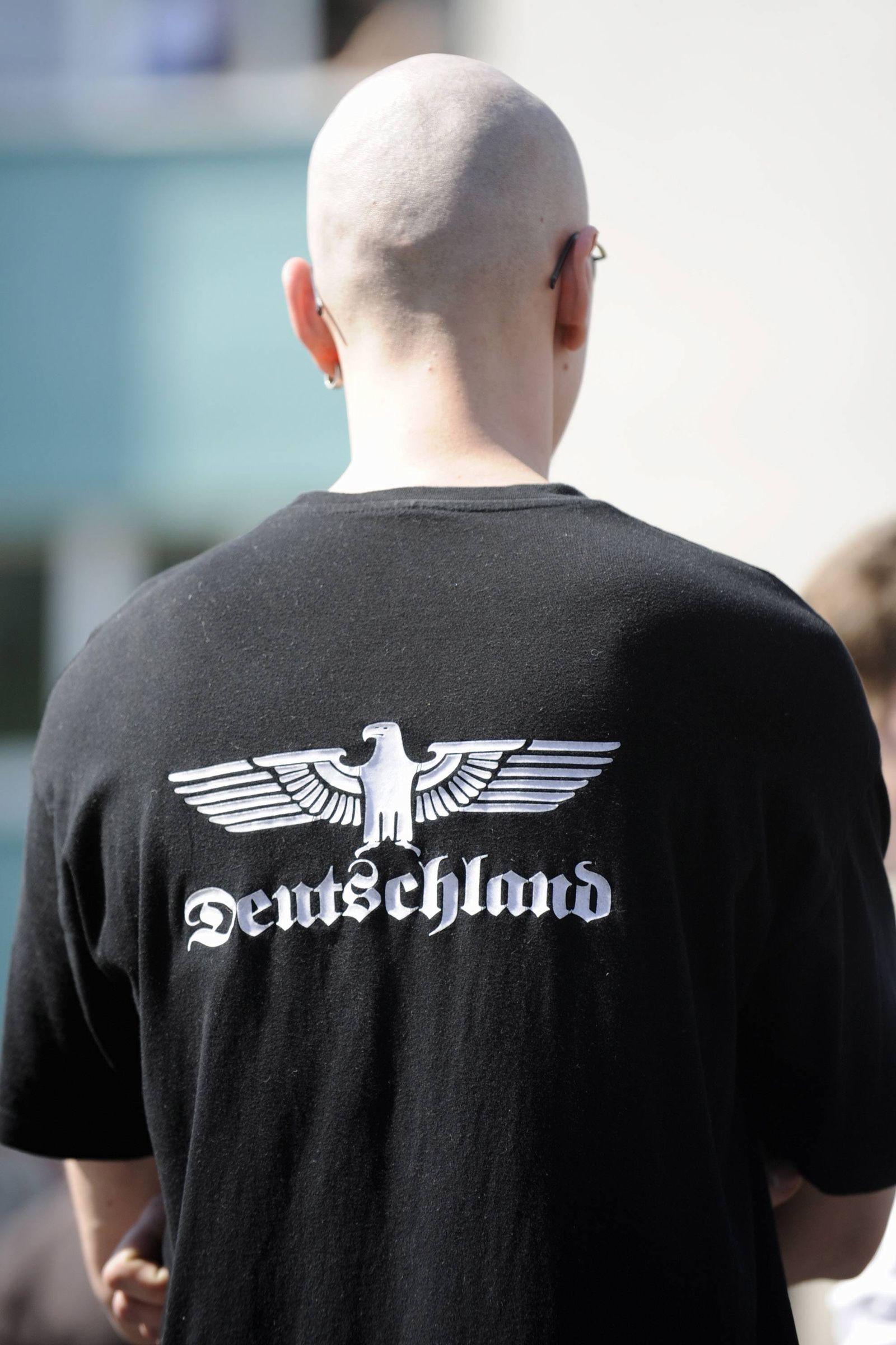 NICHT VERWENDEN NPD Kundgebung / Berlin