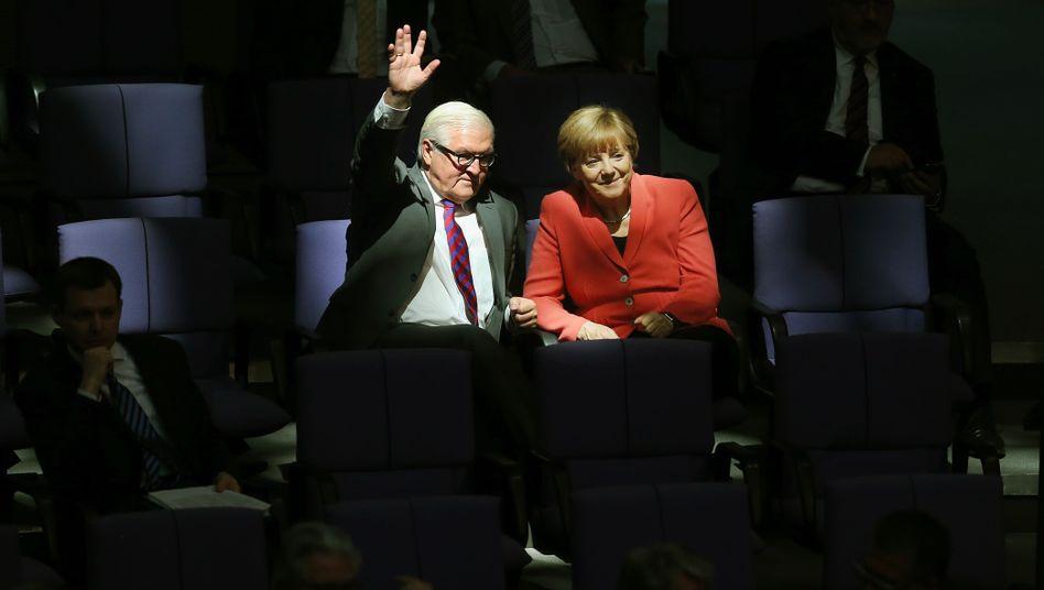 Merkel, Steinmeier im Bundestag (im September 2015)