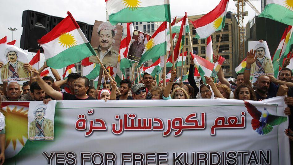 Demonstration für das Referendum von Kurden im Libanon