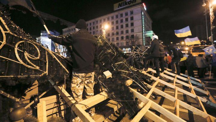 Protest in Kiew: Opposition fordert Neuwahlen
