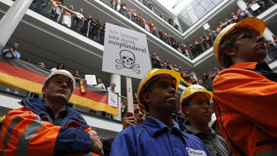 ACS-Offerte: Hochtief-Beschäftigte protestieren gegen feindliche Übernahme