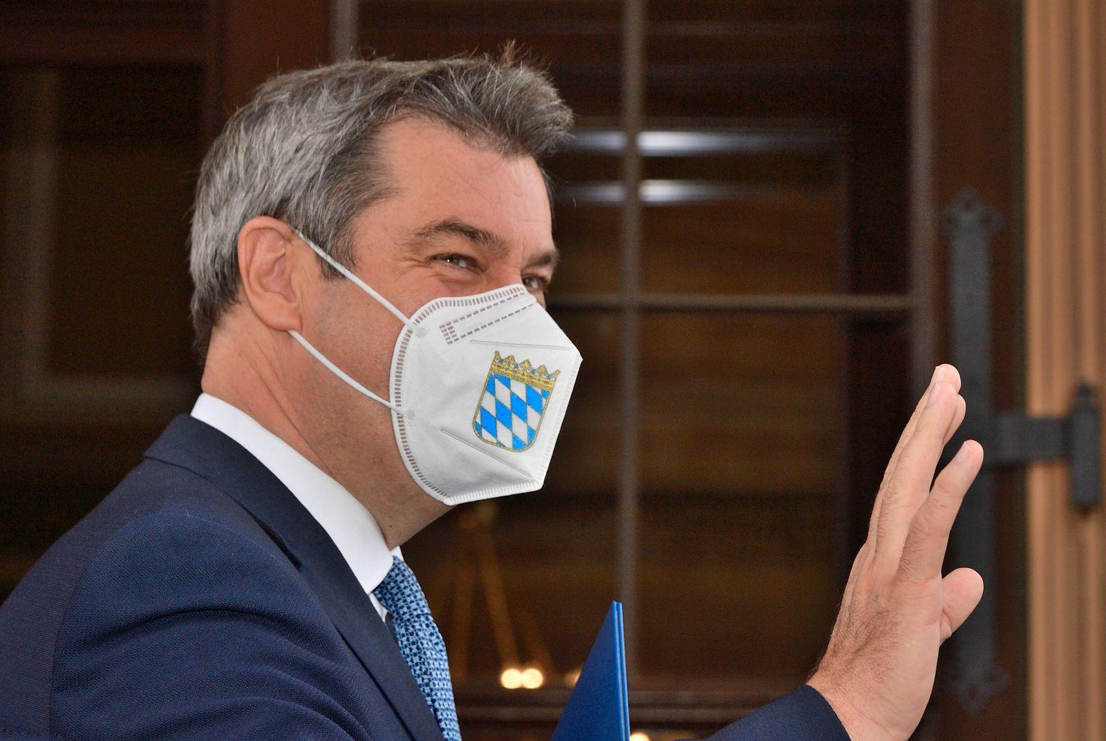 Markus Söder mit FFP2 Maske geschützt. Der Bayerische Ministerpräsident Markus Söder, CSU, geschützt mit einer FFP2 Mas