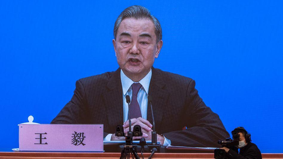 Im Rahmen einer Onlinepressekonferenz äußerte sich Chinas Außenminister Wang Yi zu der geplanten Wahlreform für Hongkong