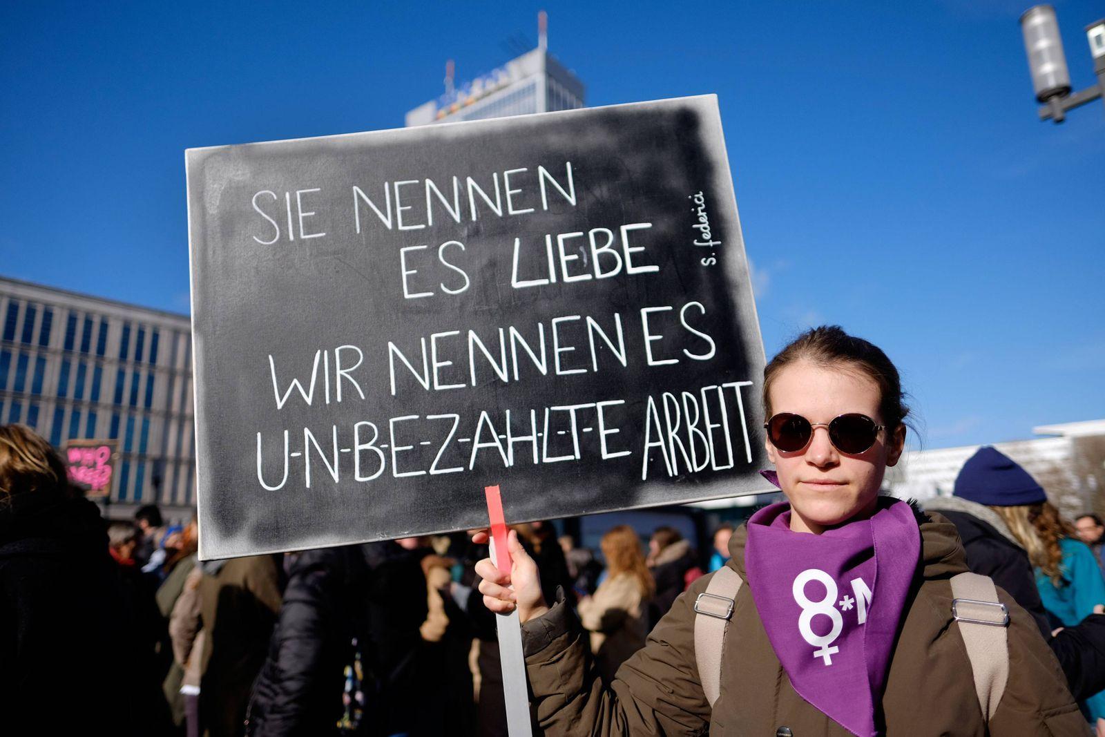 Demonstration für Gleichberechtigung von Frauen anlässlich des Internatioanlen Frauentags am 8 Mär