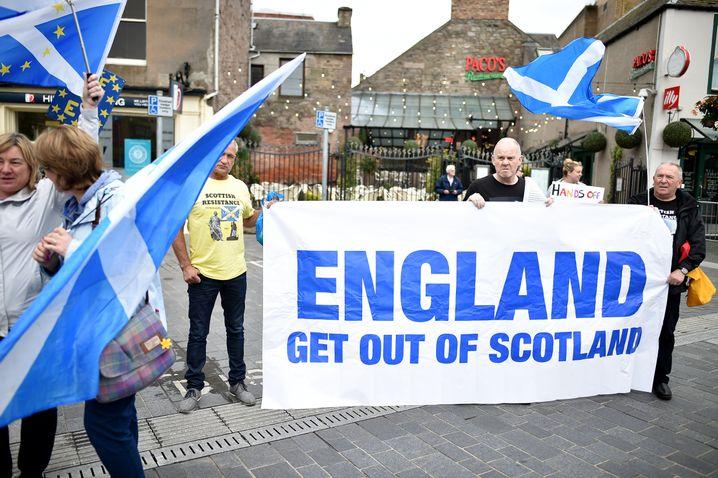 """""""England, verschwinde aus Schottland"""": Unabhängigkeitsbefürworter in Perth"""