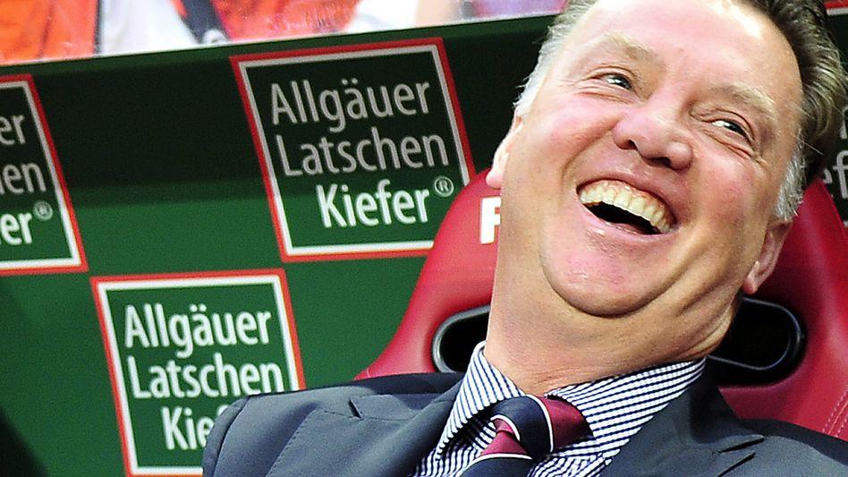Bayern-Trainer Van Gaal (am 2. Spieltag): Immer Humor zeigen