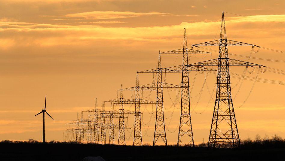 Windrad, Hochspannungsleitungen in Bayern: Strom, Heizung, Warmwasser immer teurer