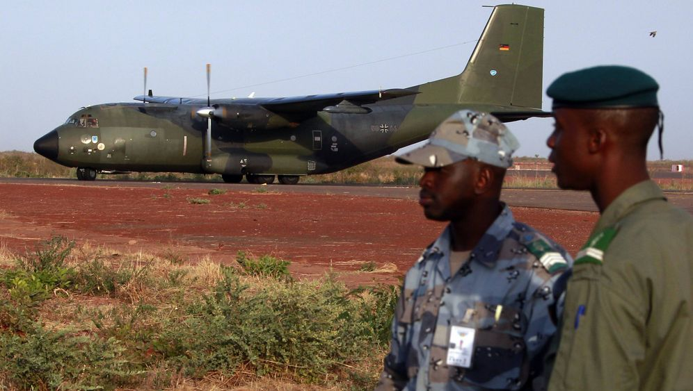 Photo Gallery: Mali Mission Exposes Divisions