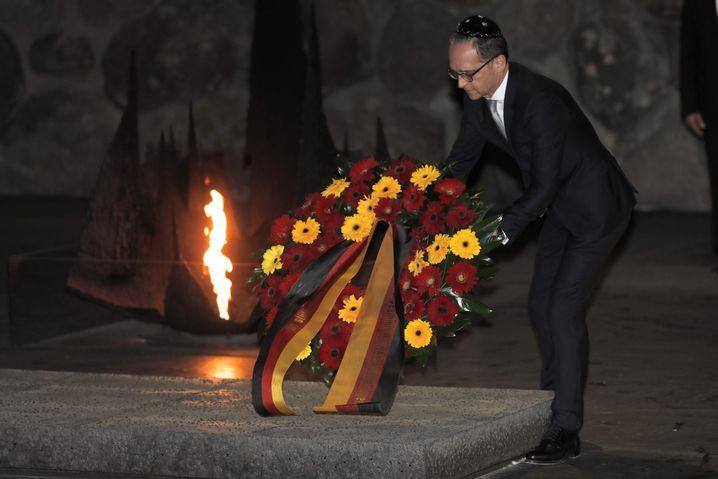 Heiko Maas legt Kranz in Yad Vashem nieder