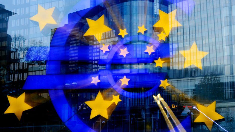 """Euro-Zeichen: """"Weltweite Ansteckungsgefahr im Falle eines Bankrotts"""""""
