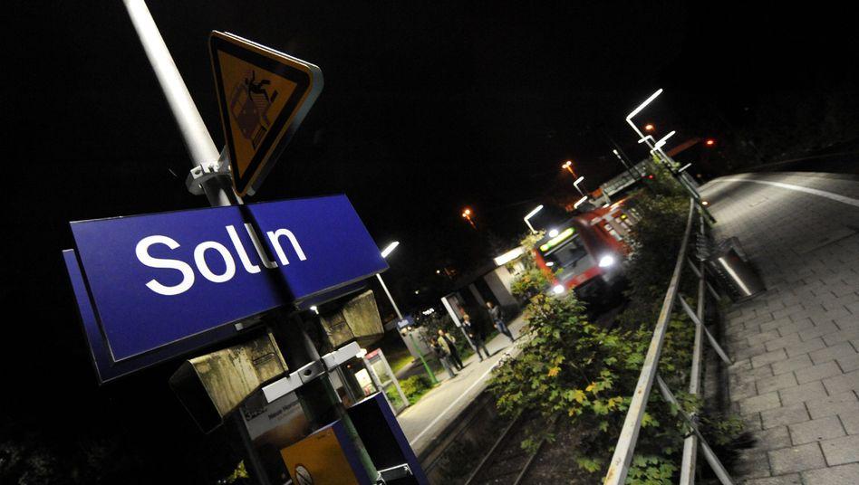 S-Bahn-Haltestelle Solln: Noch am Boden traten die Täter auf das Opfer ein