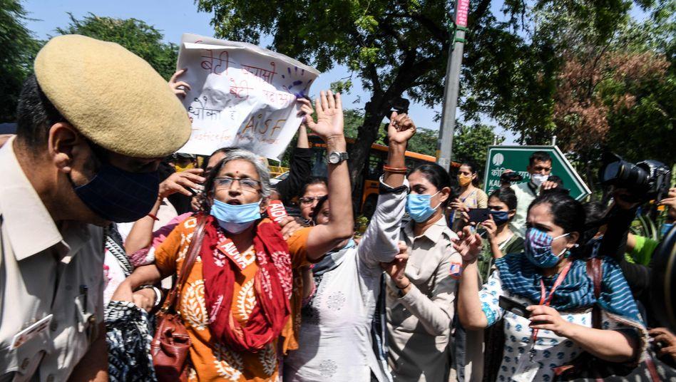 Proteste im Bundesstaat Uttar Pradesh nach dem Tod einer 20-Jährigen