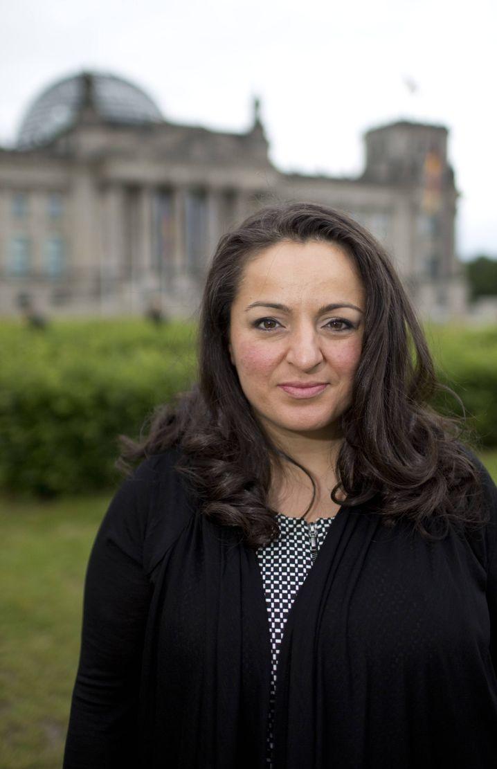 "Abgeordnete Dagdelen: ""Hakenkreuze am Wahlkreisbüro"""