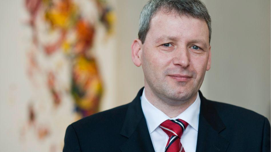 Sachsen-Anhalts Innenminister Hövelmann: Neue Datenschutzaffäre bei der Polizei