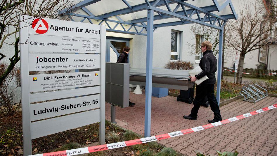 Jobcenter in Rothenburg ob der Tauber: Messerattacke auf Mitarbeiter
