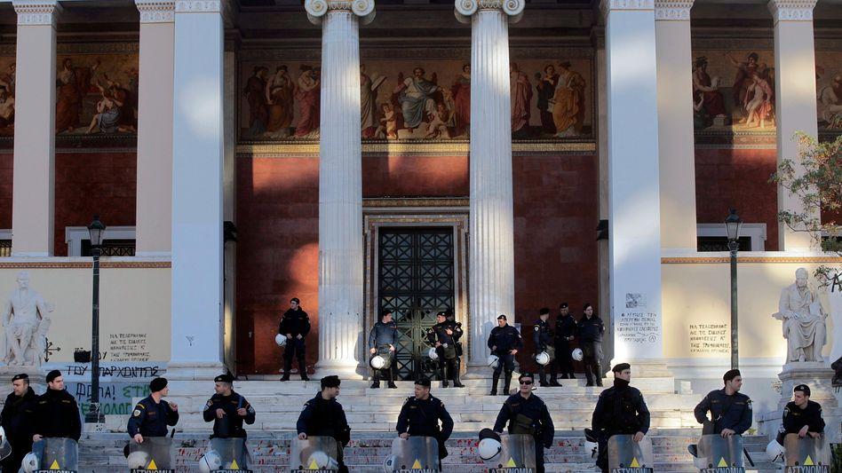Universität in Athen: Polizisten durften das Gelände bisher nicht betreten