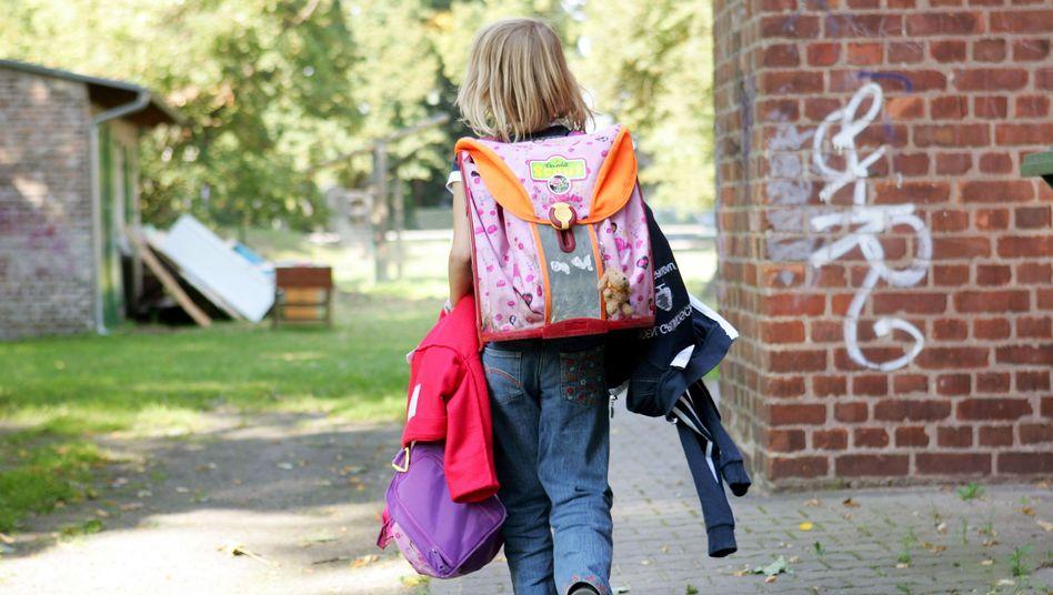 Schulkind auf dem Heimweg: Von der Bildungscard könnten alle Kinder profitieren